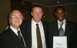 award_best_business_in_the_community_2010_jimmy_sydney_-_sydney_bridgeawardandsimon-325x205